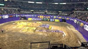 2014 Nashville Monster Jam - YouTube