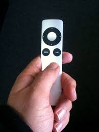 Review Apple Aluminum Remote Control for iPhone and iPod Dock