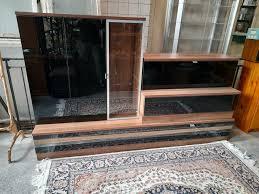 wohnwand möbel anbauwand wohnzimmer schränke glas hängeschränke