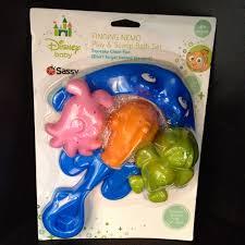 dan the pixar fan finding nemo mr ray play scoop bath set