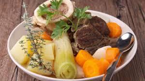 comment cuisiner un cochon comment faire du jarret de porc en pot au feu plats cuisine