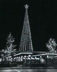 Flagpole Christmas Tree Center Topper