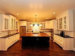 U Shaped Kitchen With Square Island