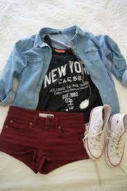laid back summer style denim shirt new york t shirt maroon