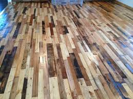 FREE DIY Pallet Wood Flooring