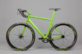 Merida claims world s lightest production bike with 680g Scultura