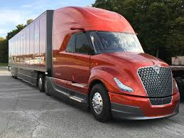 100 Navistar Truck Riding Along In S Super North American Commercial