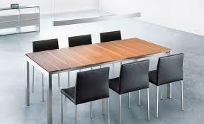 table contemporaine en bois massif rectangulaire à rallonge