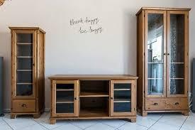 ikea hemnes wohnzimmer möbel tv bank und 2x vitrine eur