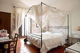 schlafzimmer mediteran einrichten so geht s tipps und