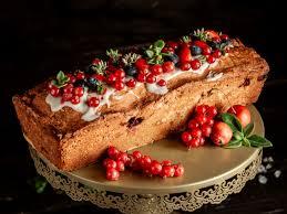 kuchen mit marmelade heidelbeer rote johannisbeere und sahne