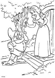 Snow White With The Dwarfs House Key Coloring Page