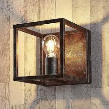 wandleuchte emin rustikal rahmen kasten metall rost antik