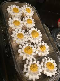 Made Some Daisy Cupcakes For An English Assignment