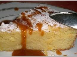 dessert aux pommes sans gluten gâteau sucrée à la pomme de terre sauce guérandaise au caramel