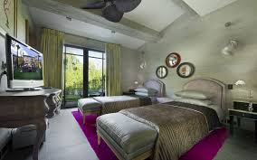 Extravagant Twin Girls Green Bedroom Ideas Decors With Two Queen Bed On Pink Rugs Plus