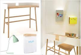 bureau en bois pas cher des petits bureaux pour un coin studieux joli place