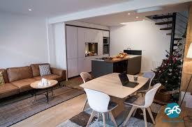 création d une maison de ville moderne salon