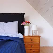 blumen im schlafzimmer gibt s nur für s foto sons