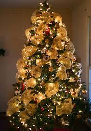 Christmas Tree Garland Ideas Image TheMomCreative