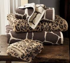 Leopard Bathroom Decorating Ideas by 224 Best Decorating With Animal Prints Images On Pinterest