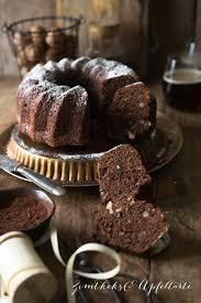 saftiger schokoladen nuss kuchen mit pastinake