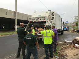 Nyc Christmas Tree Recycling 2016 by Nyc Sanitation Nycsanitation Twitter