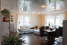 spanndecke im wohnzimmer pirog spanndecken akustik