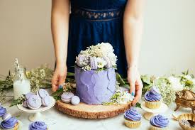 Lavender Earl Grey Cake With Macarons