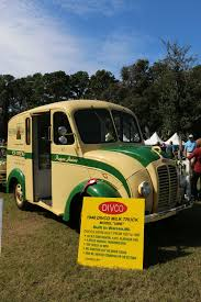 Hilton Head Island Motoring Festival: GMC's Life In The Suburbs ... Yellow 1940s Divco Helms Bakery Truck Displayed At The Lyon Air Early Devco Milk Trucks Pinterest Barn Finds Hooniverse Thursday Got 1946 Delivery Vans And For Salewmv Video Dailymotion Dairy Model Hobbydb Divco 21 1953 Utility Service Twin Tugster A Waterblog 1956 Milk Cversion G80 For Sale 15 Standdrive Or Sitdrive Virtual Car Show