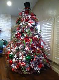9 Ft White Pencil Christmas Tree by Best 25 9ft Christmas Tree Ideas On Pinterest Big Lots