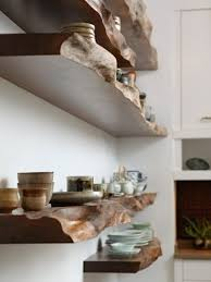 regal selber bauen wandregale aus massivholz teller tassen