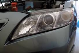 how to replace a headlight bulb toyota camry 2007 2011