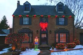 Outdoor Holiday Light Ideas