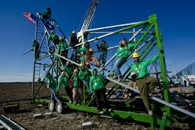Pumpkin Chunkin Trebuchet World Record by Mythbusters Grant Tory And Kari Show Us What They U0027d Design For