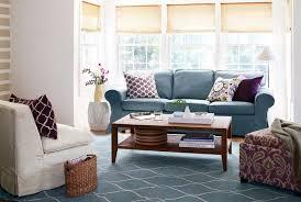 blaues sofa mit passendem teppich kombinieren wohnzimmer