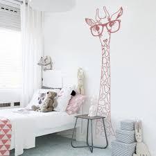 stickers chambre enfants stickers girafe à lunettes chambre enfant