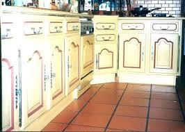 repeindre des meubles de cuisine en bois repeindre un meuble de cuisine ign repeindre meuble cuisine laquee