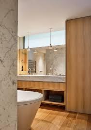 designer badezimmer in carraramarmor und bild kaufen