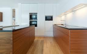 Moderne Weisse Küchen Bilder 6 Einrichtungsideen Und Küchenbilder Für Moderne Holz Küchen