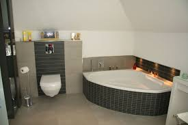 eckwanne mit nische beleuchtet badezimmer dachgeschoss