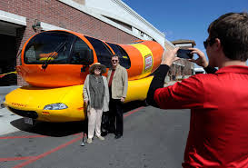 Oscar Mayer Wienermobile Hiring New Drivers - Houston Chronicle