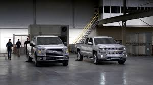 Silverado Bed Sizes by Chevrolet Silverado Vs Ford F150 Aluminum Bed Youtube