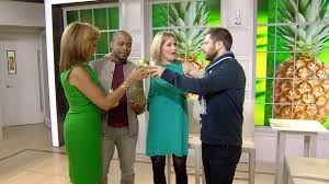 Psych Halloween Episodes by Jenna And Hoda Hunt For The U0027psych U0027 Pineapple Today Com