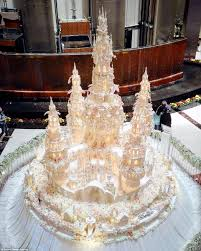 Cheap Wedding Decorations That Look Expensive by Are These The Most Elaborate Wedding Cakes Of All Time Daily