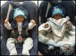 comment attacher un siège auto bébé sécurité auto et manteau non mais des astuces oui