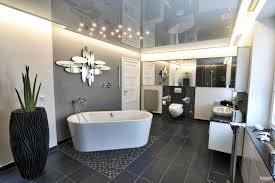wie wichtig ist eine spanndecke im badezimmer plameco