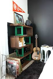 DIY Modern Rustic Bookshelf