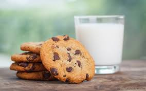 15 National Chocolate Chip Cookie Day Deals And Freebies ...