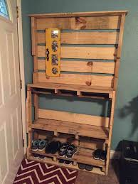 And Shoe Pallet Ideas Rack Lobbies Pallets Shoes Diy Projetoparaguai
